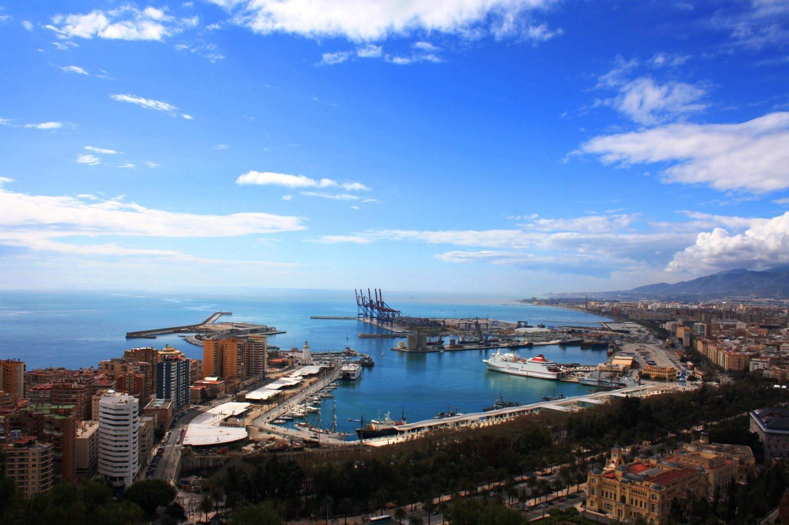 salidas de pesca en barco en Malaga, salidas de pesca desde embarcaciones, desde playa y espigon